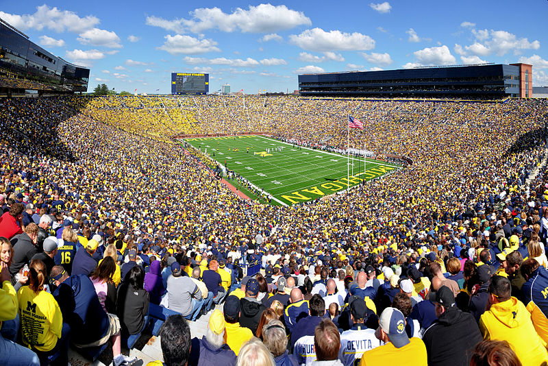800px-Michigan_Stadium_2011