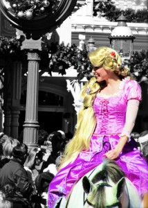 disney-disney-princess-dress-horse-princesa-Favim.com-115891
