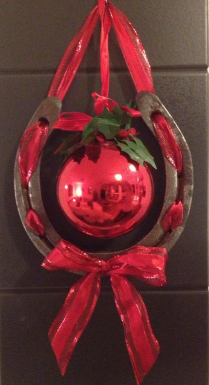 horsenista christmas diy horseshoe ornaments - Horseshoe Christmas Wreath