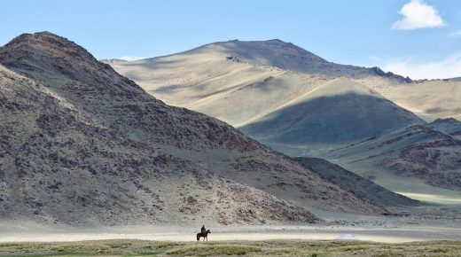 Khutulun and Her 10,000 Horses