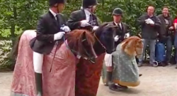 Thursday Video: Les Goulus as the Horsemen