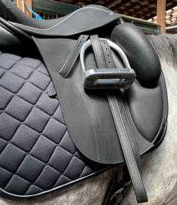 SmartPak Product Review: SmartTherapy Saddle Pads