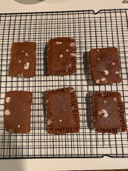 SmartPak Monday Morning Feed: Peppermint Pony Pop-Tarts 8